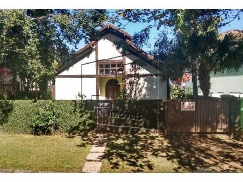 Casa em Condomínio de Alto Padrão no Guaeca!