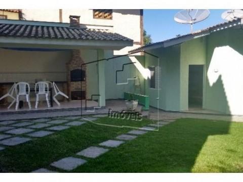 Casa em Condomínio de Alto Padrão em Guaeca!
