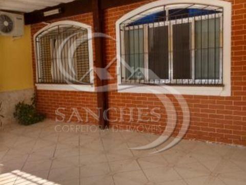 Casa Geminada em Praia Grande na Vila Tupi com 2 dormitórios, 1 suite