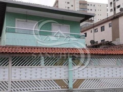 Sobrado em condomínio fechado em Praia Grande no Campo da Aviação com 2 dormitórios