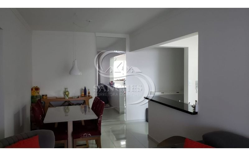 sala vista da porta da sacada