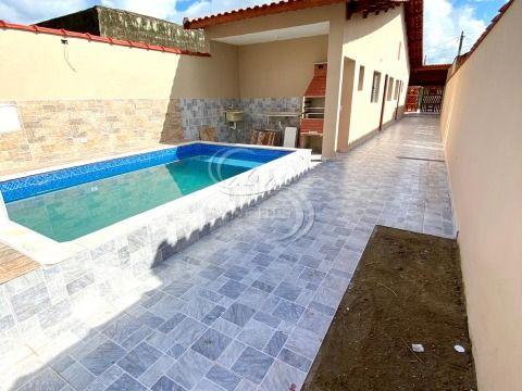 Casa nova 2 dormitórios com piscina em Mongaguá