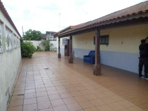 Linda Casa Isolada de 2 dormitórios no Jardim Imperador = Praia Grande
