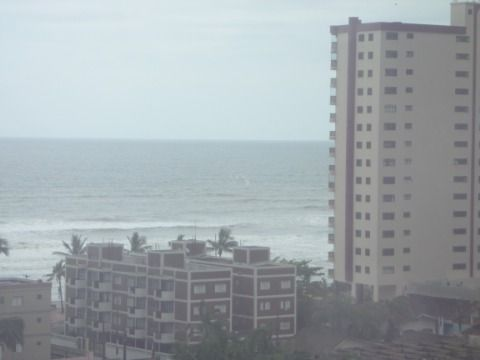 Apartamento 3 dormitórios, sendo 2 suítes - Vila Caiçara em Praia Grande