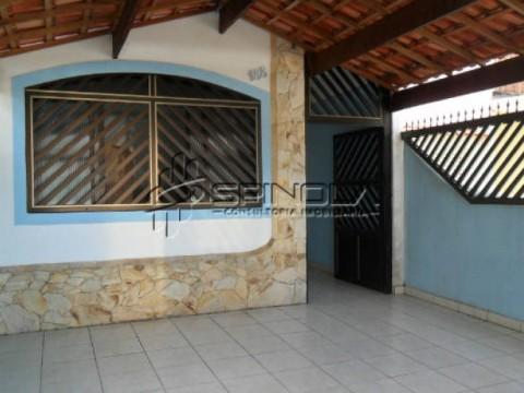 Casa em Praia Grande no Imperador - 2 dormitórios