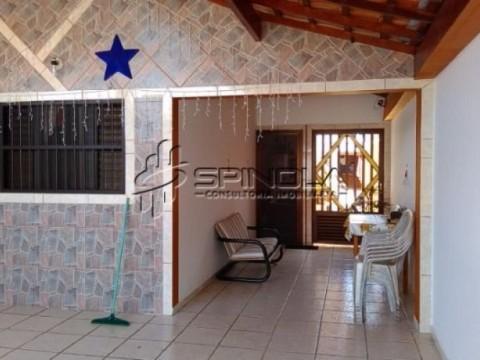 Casa com 3 dormitórios e 1 suíte na Vila Caiçara, Praia Grande