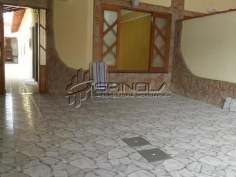 Casa de 3 dormitórios à venda na Vila Caiçara - Praia Grande