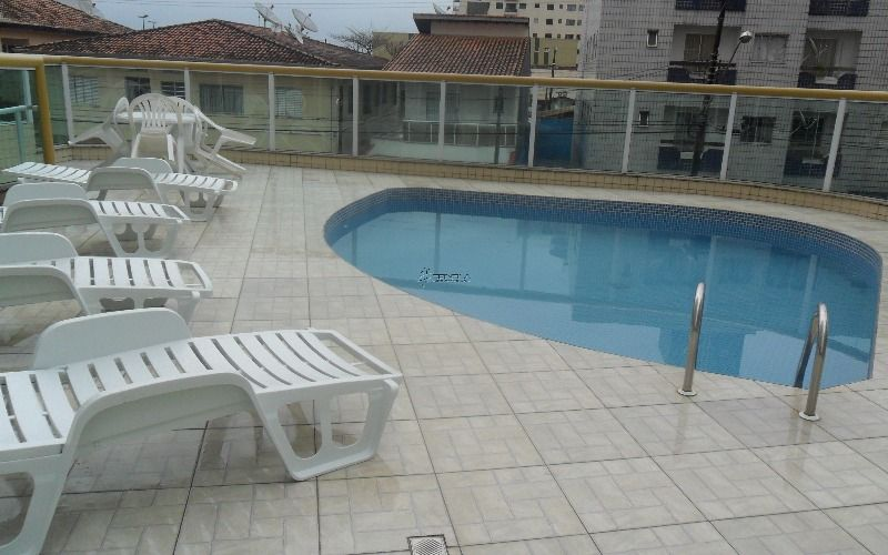 piscina de outro angulo