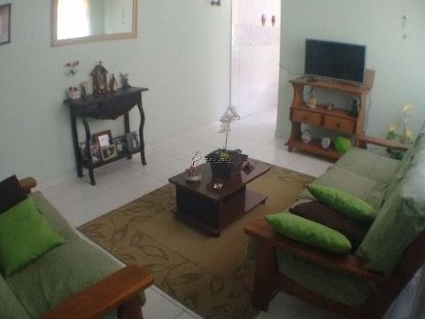 Casa térrea à venda com 2 dormitórios no Campo da Aviação - Praia Grande