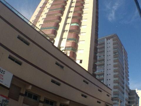 Apartamento em Praia Grande de 2 dormitórios com Suíte e sacada no Caiçara