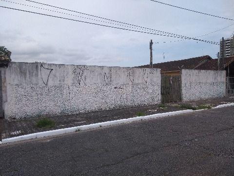 Terreno de 600 m² em Praia Grande na Vila Mirim, perto da rodoviária e da praia!