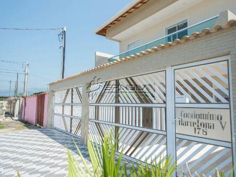 Linda casa de 2 dormitórios em condomínio no Jardim Quietude em Praia Grande