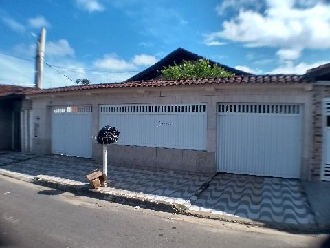Casa isolada com edícula de 3 dormitórios na Vila Mirim - Praia Grande