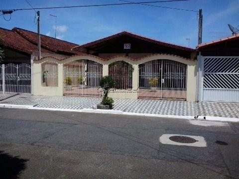 Casa isolada em Praia Grande de 2 dormitórios perto do mar - Jardim Imperador