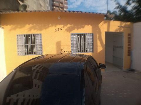 Casa de 2 dormitórios reformada em Praia Grande na Vila Caiçara perto da praia!