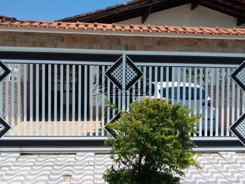 Casa geminada no bairro da Vila Caiçara em Praia Grande SP