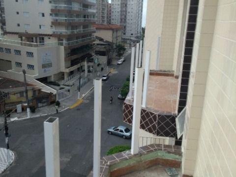 Apartamento em Praia Grande de 2 dormitórios com suíte e sacada na Vila Tupi, perto da praia!