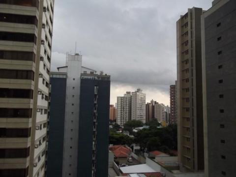 Cambuí -Próximo ao Tênis Clube - Vista Maravilhosa/ 3 Dormitórios Sendo 3 suítes/