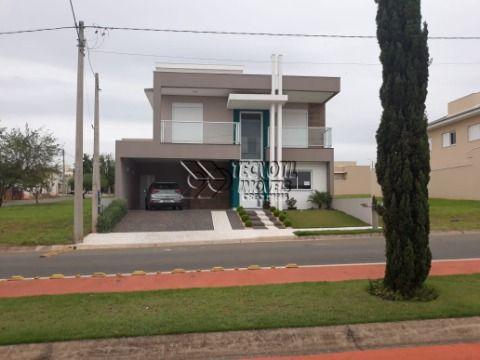 Jd. de Mônaco -Lindo  Sobrado com uma Belíssima construção - Estuda Permuta por Imóvel de Menor valor em condominio