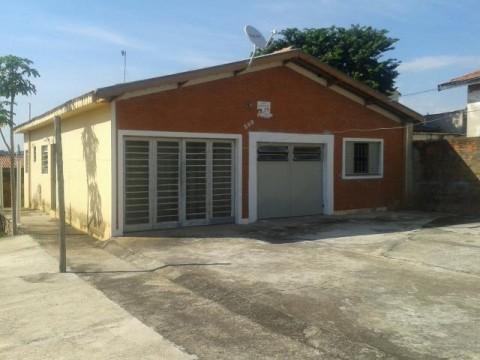 Casa Esquina otima Localização para Barracão - Jd. Pauliceia