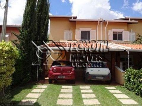 Casa de Condomínio - Linda e Aconchegante - Fácil Acesso as Rodovias