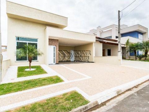 Casa Térrea / Sala com pé direito duplo - Condomínio Terras do Fontanário / Paulínia - SP