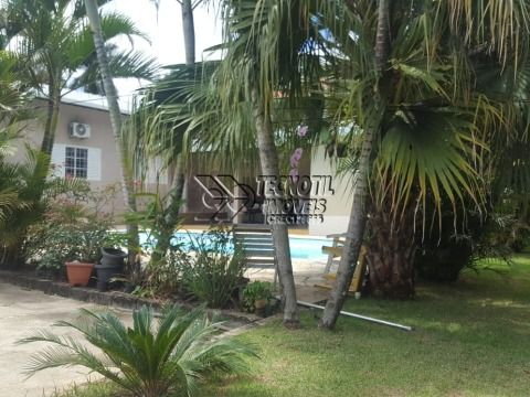 Casa com Terreno de 1.200m² - com Fácil Acesso Para Rodovia Anhanguera - Valinhos-Estuda  troca