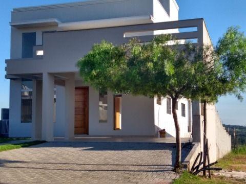 Linda Casa em Fase de Acabamento no Condomínio Mont'Alcino - Valinhos SP