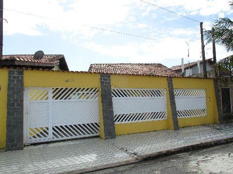 Casa em Praia Grande no bairro Solemar