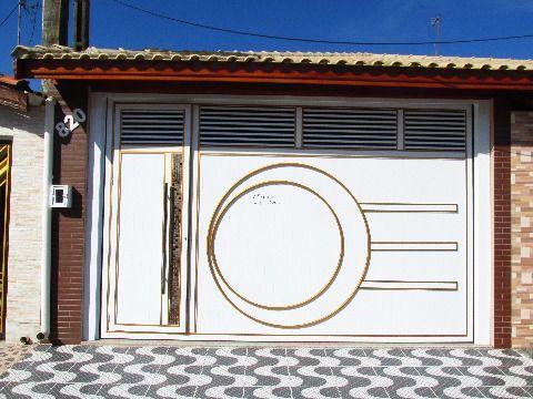 Casa nova no centro da Vila Caiçara em Praia Grande.