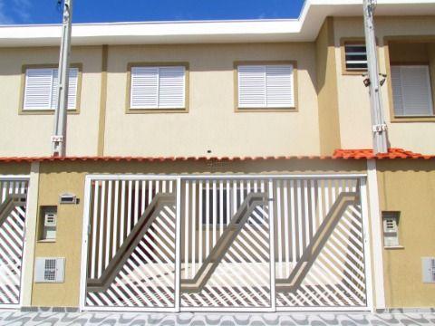 Sobrado contendo 3 dormitórios sendo 1 suíte no Bairro Flórida em Praia Grande