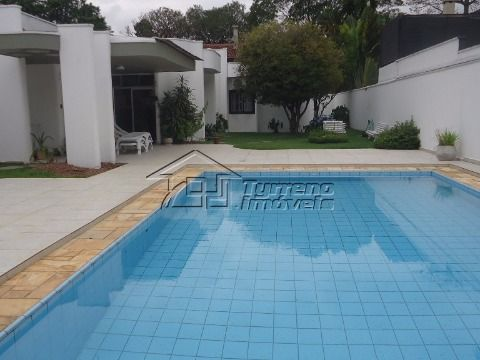 Casa térrea em condomínio - Região central -  SJCampos
