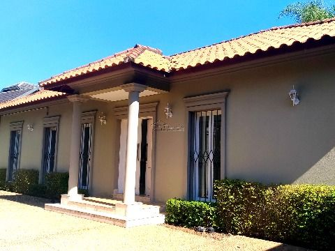 Casa luxuosa no Morumbi e com jardim externo maravilhoso
