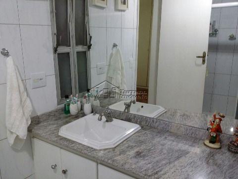 Ótimo apartamento na Vila Adyana