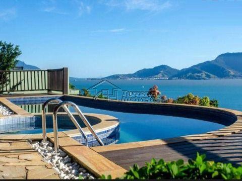 Casa com linda Vista em Ilha Bela