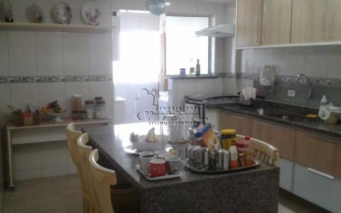Apartamento Residencial à venda, Campo da Aviação, Praia Grande - AP0628.