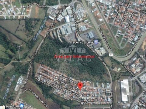 Área próxima ao Shopping em Varginha (boa para loteamento, indústrias ou hipermercados)