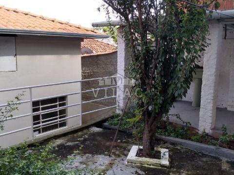 Casa com casa nos fundos no Bom Pastor em Varginha/MG
