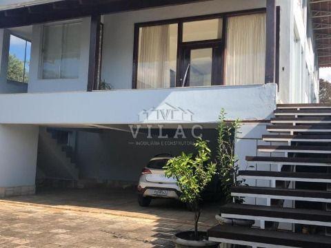 Casa de alto padrão no Condomínio Lagamar em Varginha/MG