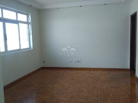 Apartamento para venda ou locação no Centro de Varginha/MG