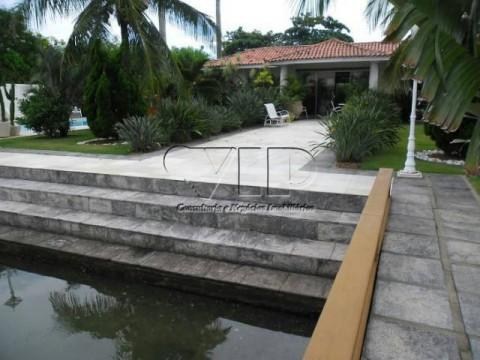 Excelente casa com piscina na Ogiva