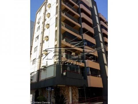 Apartamento em Comerciário - Criciúma